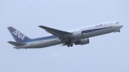 誘喜さんが、那覇空港で撮影した全日空 767-381/ERの航空フォト(飛行機 写真・画像)