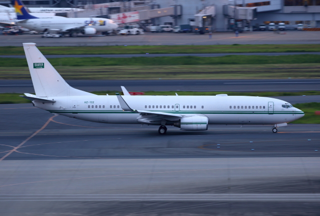 TIA spotterさんが、羽田空港で撮影したサウジアラビア王室空軍 737-8DP BBJ2の航空フォト(飛行機 写真・画像)