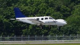 撮り撮り人さんが、岡山空港で撮影した大阪航空 PA-34-220T Seneca Vの航空フォト(飛行機 写真・画像)