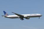 安芸あすかさんが、成田国際空港で撮影したユナイテッド航空 777-322/ERの航空フォト(飛行機 写真・画像)