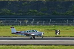 kiraboshi787さんが、長崎空港で撮影した日本個人所有 A36 Bonanza 36の航空フォト(飛行機 写真・画像)