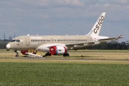 JETBIRDさんが、モントリオール・サンユーベル空港で撮影したボンバルディア BD-500-1A10 CSeries CS100の航空フォト(飛行機 写真・画像)