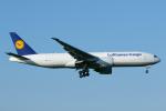 よっしぃさんが、成田国際空港で撮影したルフトハンザ・カーゴ 777-FBTの航空フォト(飛行機 写真・画像)