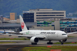 khideさんが、伊丹空港で撮影した日本航空 777-246/ERの航空フォト(飛行機 写真・画像)
