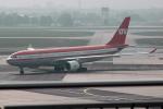 Tomo-Papaさんが、フランクフルト国際空港で撮影したLTU国際航空 A330-223の航空フォト(飛行機 写真・画像)