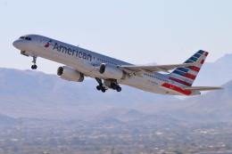 キャスバルさんが、フェニックス・スカイハーバー国際空港で撮影したアメリカン航空 757-2B7の航空フォト(飛行機 写真・画像)