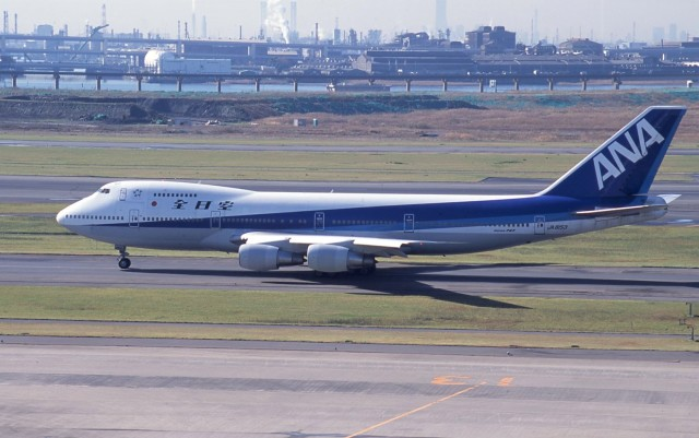 kumagorouさんが、羽田空港で撮影した全日空 747SR-81の航空フォト(飛行機 写真・画像)