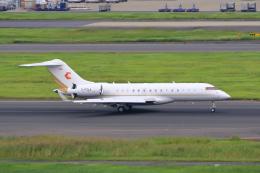 たまさんが、羽田空港で撮影したチャートライト・エア BD-700-1A10 Global 6000の航空フォト(飛行機 写真・画像)