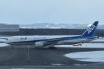 T.Kawaseさんが、新千歳空港で撮影した全日空 777-281/ERの航空フォト(飛行機 写真・画像)