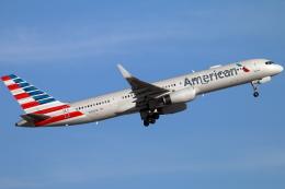 キャスバルさんが、フェニックス・スカイハーバー国際空港で撮影したアメリカン航空 757-23Nの航空フォト(飛行機 写真・画像)