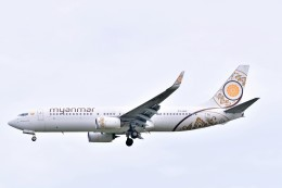 Hiro Satoさんが、スワンナプーム国際空港で撮影したミャンマー・ナショナル・エアウェイズ 737-86Nの航空フォト(飛行機 写真・画像)