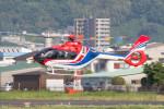 Koenig117さんが、八尾空港で撮影した毎日新聞社 EC135T3の航空フォト(飛行機 写真・画像)