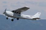 ゴンタさんが、福井空港で撮影した日本個人所有 172S Skyhawk SPの航空フォト(飛行機 写真・画像)
