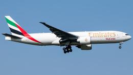 Shotaroさんが、上海浦東国際空港で撮影したエミレーツ航空 777-F1Hの航空フォト(飛行機 写真・画像)