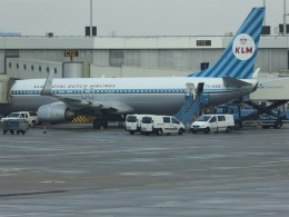 walker2000さんが、アムステルダム・スキポール国際空港で撮影したKLMオランダ航空 737-8K2の航空フォト(飛行機 写真・画像)