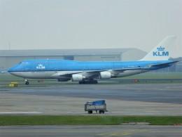 walker2000さんが、アムステルダム・スキポール国際空港で撮影したKLMオランダ航空 747-406Mの航空フォト(飛行機 写真・画像)