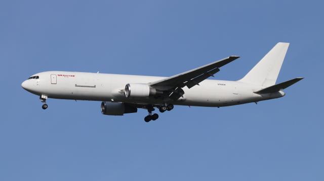 航空フォト:N765CK カリッタ エア 767-300