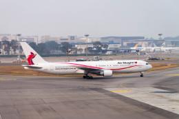 jombohさんが、シンガポール・チャンギ国際空港で撮影したニューギニア航空 767-383/ERの航空フォト(飛行機 写真・画像)