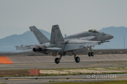 Ryusei10Rさんが、岩国空港で撮影したアメリカ海軍 F/A-18E Super Hornetの航空フォト(飛行機 写真・画像)
