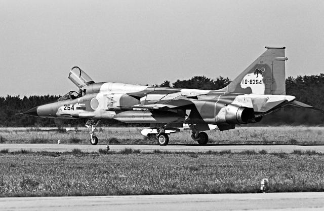 A-330さんが、小松空港で撮影した航空自衛隊 F-1の航空フォト(飛行機 写真・画像)