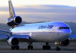LOTUSさんが、関西国際空港で撮影したルフトハンザ・カーゴ MD-11Fの航空フォト(飛行機 写真・画像)