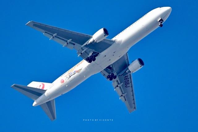 VICENTE AGEMATSUさんが、羽田空港で撮影した日本航空 767-346/ERの航空フォト(飛行機 写真・画像)