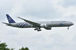 Izumixさんが、成田国際空港で撮影したKLMオランダ航空 777-306/ERの航空フォト(飛行機 写真・画像)