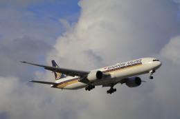 しかばねさんが、シドニー国際空港で撮影したシンガポール航空 777-312/ERの航空フォト(飛行機 写真・画像)