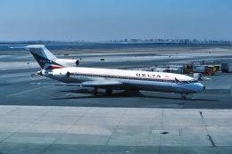パール大山さんが、鹿児島空港で撮影したデルタ航空 727-232/Advの航空フォト(飛行機 写真・画像)