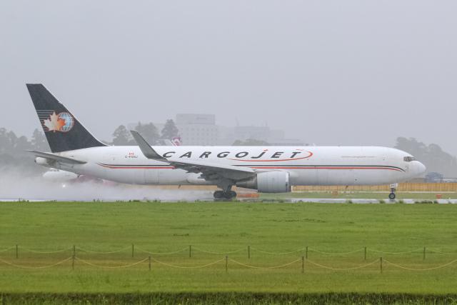 ryu330さんが、成田国際空港で撮影したカーゴジェット・エアウェイズ 767-39H/ER(BCF)の航空フォト(飛行機 写真・画像)