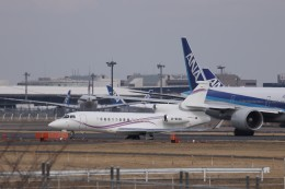 KAZFLYERさんが、成田国際空港で撮影したKeystone International Co. Ltd Falcon 7Xの航空フォト(飛行機 写真・画像)