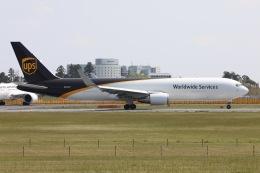 sky-spotterさんが、成田国際空港で撮影したUPS航空 767-34AF/ERの航空フォト(飛行機 写真・画像)