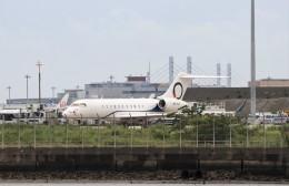 ハム太郎。さんが、羽田空港で撮影したOジェッツ  BD-700 Global Express/5000/6000の航空フォト(飛行機 写真・画像)