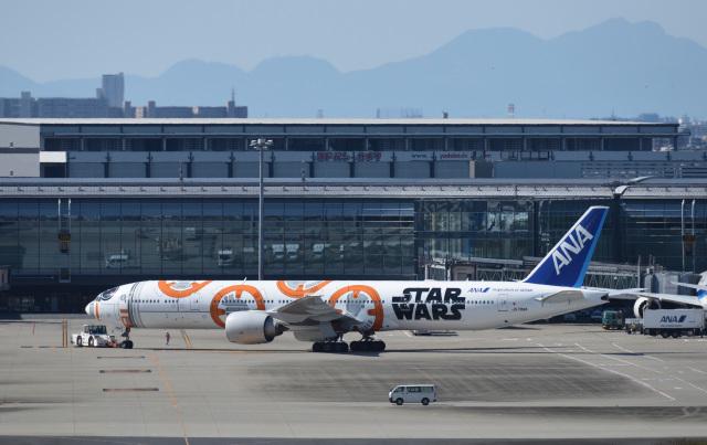 びっぐむ~ん3さんが、羽田空港で撮影した全日空 777-381/ERの航空フォト(飛行機 写真・画像)