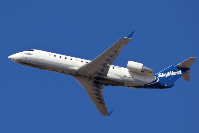 キャスバルさんが、フェニックス・スカイハーバー国際空港で撮影したスカイウエスト CL-600-2B19 Regional Jet CRJ-200ERの航空フォト(飛行機 写真・画像)