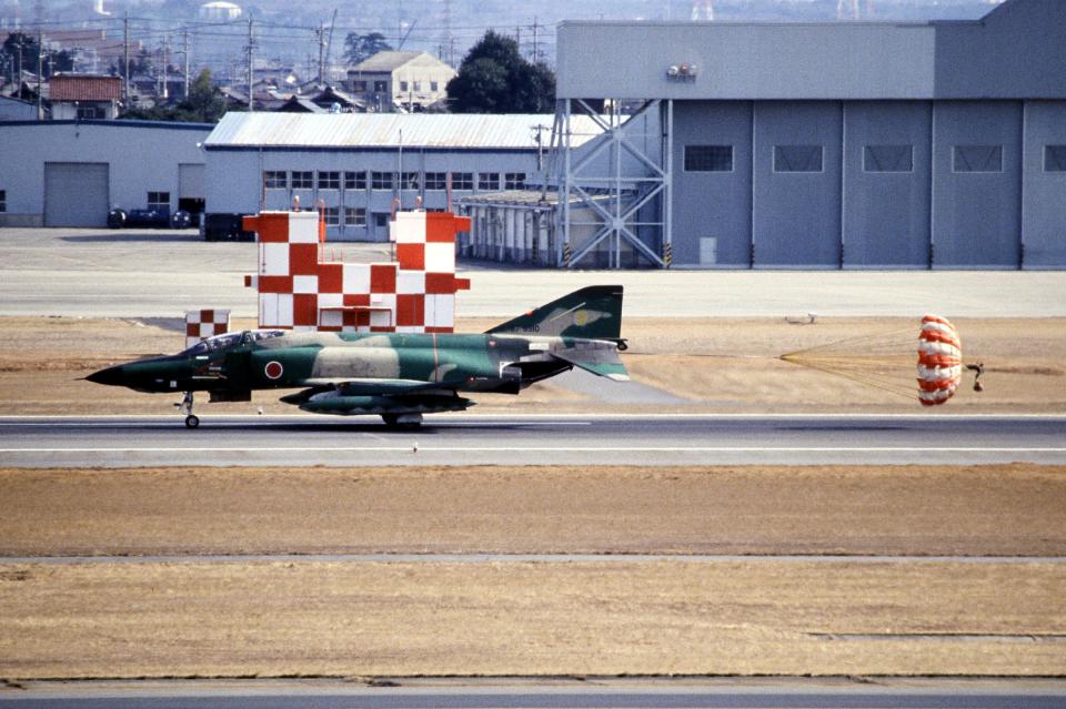 なごやんさんの航空自衛隊 McDonnell Douglas RF-4E Phantom II (57-6910) 航空フォト