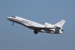 KAZFLYERさんが、羽田空港で撮影した中国企業所有 Falcon 7Xの航空フォト(飛行機 写真・画像)