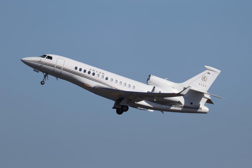 KAZFLYERさんの中国企業所有 Dassault Falcon 7X (B-8211) 航空フォト