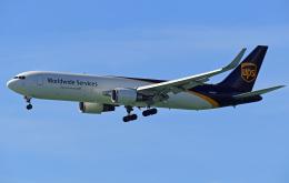 Souma2005さんが、香港国際空港で撮影したUPS航空 767-34AF/ERの航空フォト(飛行機 写真・画像)
