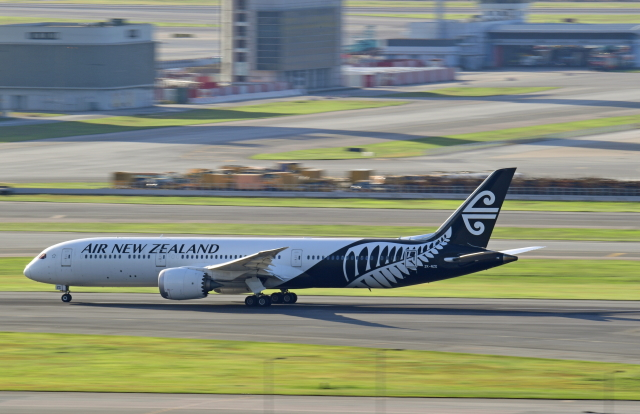 Souma2005さんが、香港国際空港で撮影したニュージーランド航空 787-9の航空フォト(飛行機 写真・画像)