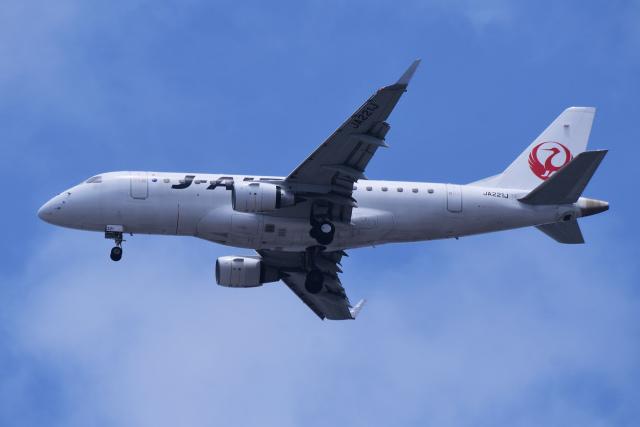 TOPAZ102さんが、伊丹空港で撮影したジェイ・エア ERJ-170-100 (ERJ-170STD)の航空フォト(飛行機 写真・画像)