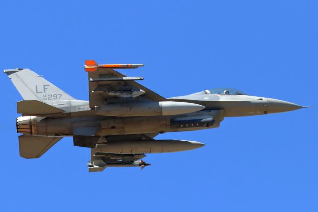 キャスバルさんが、ルーク空軍基地で撮影したアメリカ空軍 F-16C-25-CF Fighting Falconの航空フォト(飛行機 写真・画像)