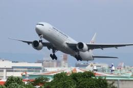 つっさんさんが、伊丹空港で撮影した日本航空 777-346の航空フォト(飛行機 写真・画像)