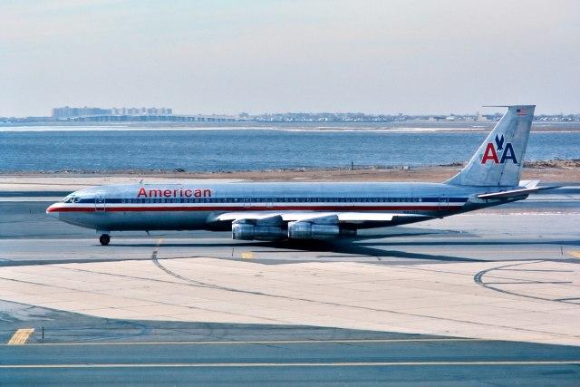 パール大山さんが、ジョン・F・ケネディ国際空港で撮影したAmerican Airlines 707-323Cの航空フォト(飛行機 写真・画像)