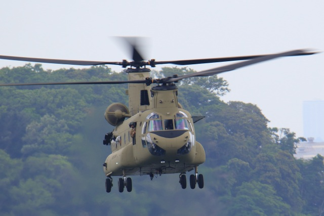 レンタくんさんが、横須賀基地で撮影したアメリカ陸軍 CH-47Fの航空フォト(飛行機 写真・画像)