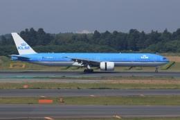 SIさんが、成田国際空港で撮影したKLMオランダ航空 777-306/ERの航空フォト(飛行機 写真・画像)