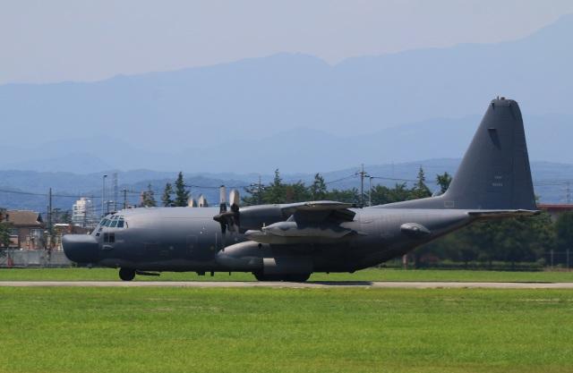 F-4さんが、横田基地で撮影したアメリカ空軍 MC-130H Herculesの航空フォト(飛行機 写真・画像)