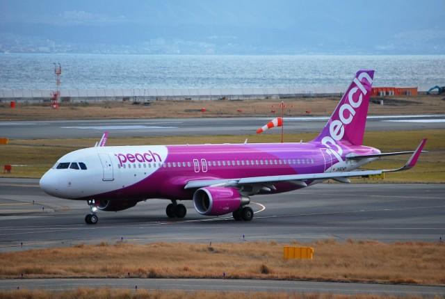 リュウキさんが、関西国際空港で撮影したピーチ A320-214の航空フォト(飛行機 写真・画像)