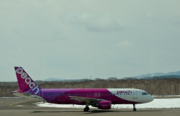 東亜国内航空さんが、釧路空港で撮影したピーチ A320-214の航空フォト(飛行機 写真・画像)