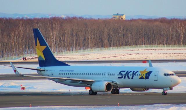 Rsaさんが、新千歳空港で撮影したスカイマーク 737-86Nの航空フォト(飛行機 写真・画像)